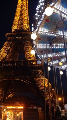 Tour Eiffel avec le carroussel