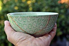 Kintsugi Vintage bowl, cuenco Kintsugi porcelana oriental. Colección Butterfly nº5 de KanelaSuri en Etsy Kintsugi, Vintage Bowls, Tableware, Etsy, Porcelain Ceramics, Dinnerware, Tablewares, Dishes, Place Settings