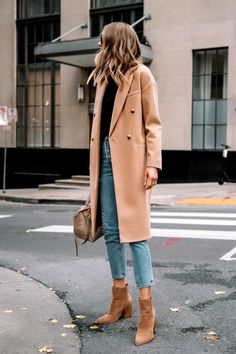 Winter Coat Outfits, Jeans Outfit Winter, Outfit Jeans, Fall Outfits, Booties Outfit, Fall Booties, Simple Outfits, Casual Outfits, Camel Coat Outfit