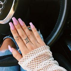 Beauties, Fashionistas, & All things Fashion! Pointy Nails, Nail Ring, Luxury Nails, Nail Games, All Things Beauty, How To Do Nails, Cute Nails, Nail Designs, Nail Polish