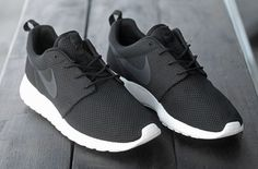 Nike Roshe Run sneakers are awesome. But which pair to choose? In search of the perfect Nike Roshe Run sneakers. Sneaker Outfits, Nike Outfits, Adidas Outfit, Nike Shoes Cheap, Nike Free Shoes, Nike Shoes Outlet, Running Shoes Nike, Cheap Nike, Running Shorts