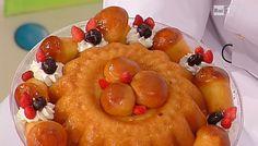 La ricetta del babà al rum di Sal De Riso del 25 novembre 2014 - Dolci dopo il tiggì