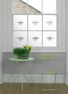 Single Bee, Animal, Insect & Plant Designs & Frosted & Decorative Window Film from Brume Ltd Frosted Glass Design, Frosted Glass Window, Window Wall, Privacy Window Film, Window Stickers Privacy, Bathroom Window Privacy, Bathroom Window Coverings, Window Seats, Window Graphics