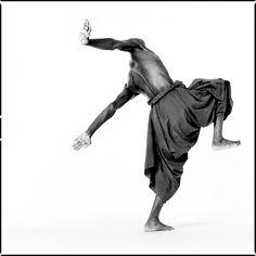 © Antoine Tempé. Andréya Ouamba, Congolese choreographer and dancer, Paris, 2002. Courtesy of the artist.