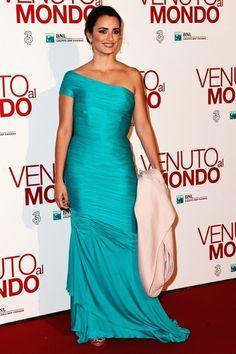 Penelope Cruz Evening Dress - Penelope Cruz Looks - StyleBistro
