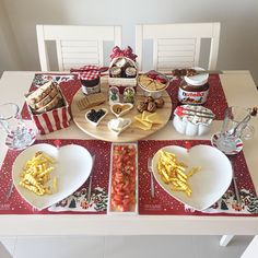 Noel breakfast Food Table Decorations, Food Decoration, Brunch, Sweet Words, Food Design, Food Presentation, Coffee Shop, Catering, Kitchen Decor