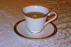 A saucer is a type of small dishware.~Wikipedia~ | Pinned Time: 20141030 04:33, Taipei Time. #Saucer #茶托