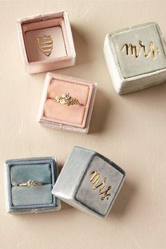 The Mrs. Box velvet ring box to carry the wedding rings down the aisle. (sponsored affiliate link)