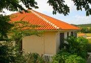 Van plan te gaan wonen op Curacao maar weet u nog niet waar? Misschien is Villapark Blue Bay dan wel wat voor u!   Voor ons aanbod bezoek onze site http://athomecuracao.nl/page/3/?s=all+properties&search=search&pview=list&srch_price&srch_keyword&srch_bedrooms&srch_bathroom&property_state=Blue+Bay