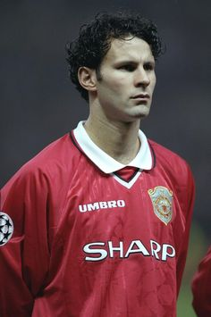 A young Ryan Giggs.  Get your FREE DOWNLOAD of the SportsQuest app at www.sportsquestapp.com @SportsQuestApp