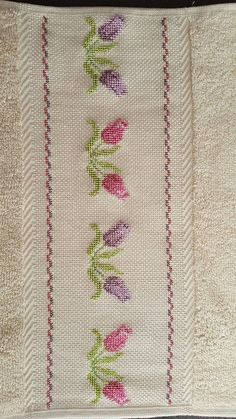 Maria Castaño's media content and analytics Kutch Work, Cross Stitch Heart, Plant Shelves, Floral Pillows, Floral Border, Pin Cushions, Embroidery, Bath Linens, Embroidered Towels
