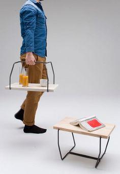 ¡La mesa que se convierte en una bandeja con asas!
