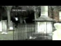 Child ghost fades-(Fantasma de niño) | In December of 2008 Jesse Greathouse, a 17 year old kid vacationing in Savannah, Georgia with his family, captured one of the most well-known ghost sightings of all time at Colonial Park Cemetery. #creepy