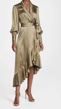 Be playful and fabulous at your friend's wedding with these favorite trends shopping list! #bridalmusings #bmloves #bride #wedding #weddingfashion #fashion #guest #weddinginspiration #party Wedding Guest Style, Fall Wedding, Party Wedding, Cape Sleeve Dress, Bridal Jumpsuit, Dress The Population, Silk Wrap, China Fashion, Retro Dress