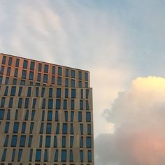 #onmywayhome #architecture #clouds #light #colour #contrast #picoftheday #urban #city #citylife #cityscape #rotterdam #blaak