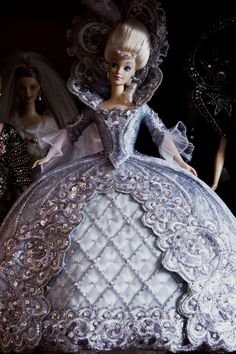 Impressive Barbie period costume fashion - BARBIE MADAME DU BY BOB MACKIE LIMITED EDITION 1997