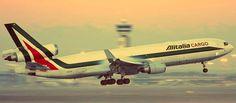 Forse si risolverà la questione Alitalia con una cordata di società pubbliche che dovrebbero ricapitalizzare il vettore aereo. Nel gruppo de...http://tuttacronaca.wordpress.com/2013/10/10/chi-salvera-alitalia/