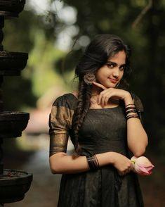Beautiful Girl Photo, Beautiful Girl Indian, Beautiful Indian Actress, Beautiful Actresses, Dehati Girl Photo, Girl Photo Poses, Girl Poses, Cute Beauty, Beauty Full Girl