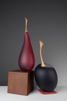 NICK MOUNT - He was introduced to Venetian traditions by the American glass artist, Richard Marquis, who had worked at the renowned Venini factory in Murano in 1969, and came to Australia in the early 70s to demonstrate glassblowing. Employed to assist Marquis, Mount was immediately fascinated by the unknowable nature of glass and challenged by the degree of skill required to work with it.