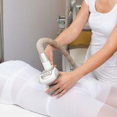 Carbossiterapia: che cos'è e per chi è Indicata per cellulite a stadio avanzato, con rilassamento dei tessuti, dev'essere praticata da un dermatologo esperto in questa metodica. Microiniezioni di