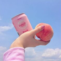 Pastel, peach, and pink image. Japanese Aesthetic, Korean Aesthetic, Aesthetic Images, Aesthetic Food, Aesthetic Photo, Aesthetic Girl, Food Kawaii, Peach Nails, Peach Aesthetic