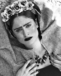 Frida Kahlo ; photographer   Daphne Carrasco