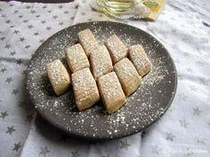 Un kurabiyesi (Turkse luchtige koekjes) High Tea, Cookie Recipes, Slow Cooker, Sausage, Favorite Recipes, Bread, Cheese, Snacks, Cookies