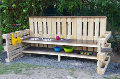 Matschküche - Matschküche Garden que proporcionamos para diy, se asegurará de estar en el lugar correcto. Mud Kitchen, Kitchen Views, Natural Playground, Backyard Playground, Bedroom Vanity Set, Porch Swing, Outdoor Furniture, Outdoor Decor, Beautiful Pictures