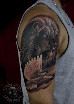 Lion and dove piece I did last night. Thanks for looking! #liontattoo #dovetattoo #tattoooftheday
