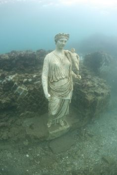 Underwater Archaeology may be the future of archaeology, but damnit I don't wanna go in the water!