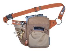 The URBAN TOOL caseHolster is a stylish hip bag with a 7 - 8´´compartment.  The main case offers perfect protection for your device plus some extra space for additionals or wallet. On the frontside is an additional slot for 5´´ devices. A separate key pocket ensures keys are stored safely with a key-yoyo. The light weight all-rounder is designed to fit and protect. Robust materials and YKK zipper guarantee long lasting durability. #urbantool #caseHoslter #hipbag #hoslter #tabletholster… Tech Gifts For Men, Edc Bag, Best Wallet, Tech Gadgets, Sling Backpack, Purses And Bags, Messenger Bags, Crossbody Bag, Backpacks