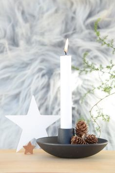 No Christmas . - No Christmas … - Christmas Bedroom, Christmas Deco, Christmas And New Year, Christmas Home, Xmas, New Years Eve Decorations, Candle In The Wind, White Candles, Dear Santa