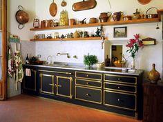 I love this kitchen. dishwasher hiding....no hanging cabinet