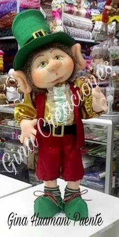 Christmas Elf Doll, Christmas Candy, Holiday Ornaments, Christmas Projects, Handmade Dolls Patterns, Doll Patterns Free, Leprechaun, Elves And Fairies, Soft Dolls