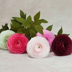 My floret ( Paper Flower Art, Paper Flowers Diy, Boquet, Paper Artist, Etsy Shop, Ranunculus, Instagram, Persian Buttercup, White Ranunculus