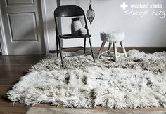 winter is on its way. so sheep skins and rugs are needed! have a look on my sheep rugs on Mechant Studio inspiration time! Sheep Rug, Animal Skin Rug, Metal Folding Chairs, Lash Room, Unique House Design, Home Goods Decor, Sheepskin Rug, Simple Elegance, Living Room Inspiration