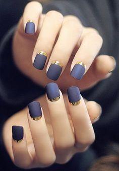 32 Gorgeous Looks for Matte Short Nails; matte nails for fall; easy designs for short nails. Gold Nails, Matte Nails, Diy Nails, Manicure Ideas, Acrylic Nails, Black Nails, Matte Black, Glitter Nails, Diy Manicure