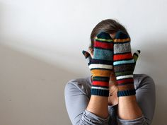 Ravelry: handepande's Nöttöset - make mittens from scraps.  lovely.