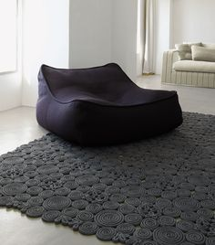 Paola Lenti design: Francesco Rota - Series composed of easy chair, sofa, chaise longue and pouf in different dimensions.