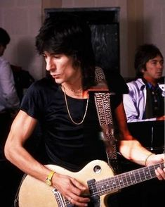 Ronnie Wood, Rolling Stones, Photo And Video, Videos, Photos, Mens Tops, Instagram, Fashion, Moda