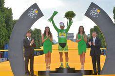 2015 26/7 rit 21 Paris/Champs-Élysées > Peter Sagan, lauréat du maillot vert 2015. À 25 ans, il remporte son 4ème maillot vert de suite