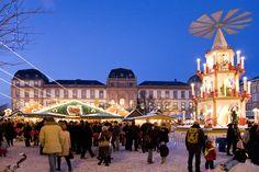 """Ein """"himmlisches Einkaufsvergnügen"""" erwartet die Besucher beim letzten Late-Night-Shopping des Jahres am 21. und 22. Dezember - offene Geschäfte bis 22 Uhr."""