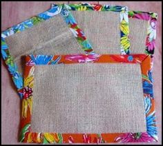 Are these placemats? Handmade Crafts, Diy And Crafts, Sewing Crafts, Sewing Projects, Place Mats Quilted, Sewing Pillows, Mug Rugs, Table Toppers, Burlap