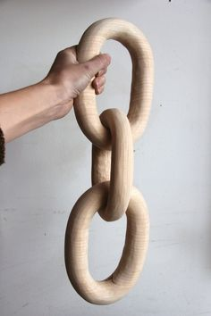 arielealasko.com carved_wood_chain_04.jpg
