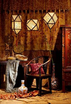 If you are looking for quirky and unusual Indian crafts take a look at www.bringingitallbackhome.co.uk!