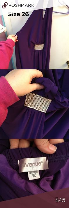 Purple Halter dress. Size 26. From the avenue. Beautiful diamond center! Halter top style. Avenue Dresses