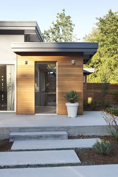 Exterior - front door and landing - midcentury - exterior - san francisco - Klopf Architecture Modern Exterior, House With Porch, House Front, House Exterior, Porch Design, Exterior Front Doors, Mid Century Exterior, Garage Door Design, Building A Porch