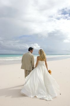 Beautiful #DestinationWedding at Pink Sands Resort #Bahamas I http://www.weddingwire.com/biz/pink-sands-resort-bahamas/portfolio/079d8f1ea444b9e4.html?page=2&subtab=album&albumId=a04625b6e0b8d614#vendor-storefront-content