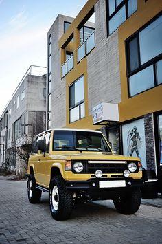Mitsubishi Pajero -> Hyundai Galloper -> Mohenic Garages redesign - Original Classic MOHENIC Yellow. www.the.co.kr