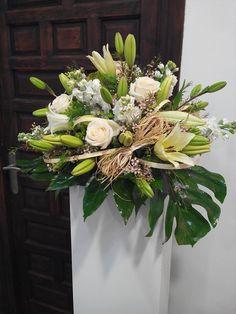 Centro de flor  con columna elaborado por Floristeria Alameda en Cartagena